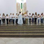 Mais um Grupo de Adolescentes Recebem a Primeira Eucaristia em 2019